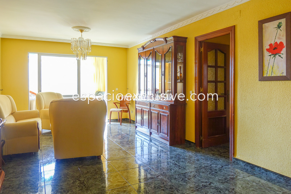BEAUTIFUL APARTMENT IN THE CENTER OF FUENGIROLA Fantastic apartment in the heart of Fuengirola, clos,Spain