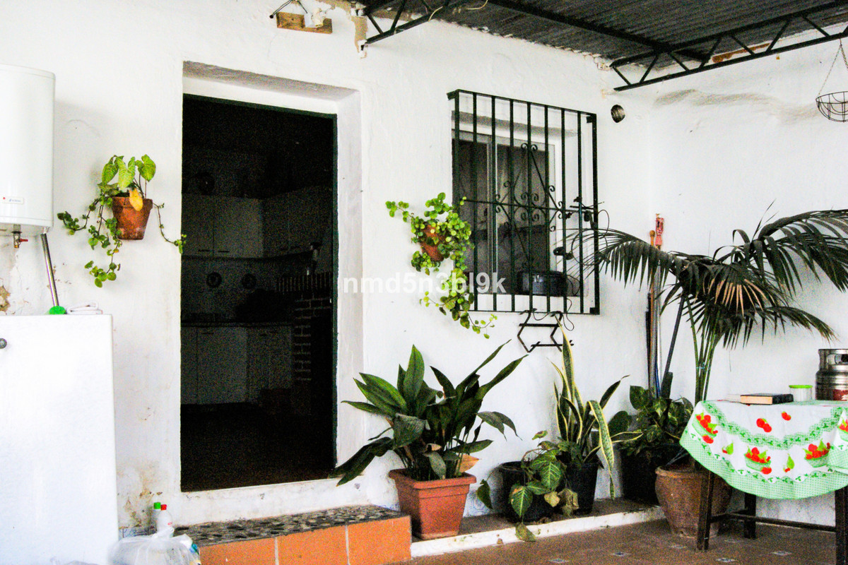 Old town house located very close to the center of the village of Alhaurin de la Torre. This propert,Spain