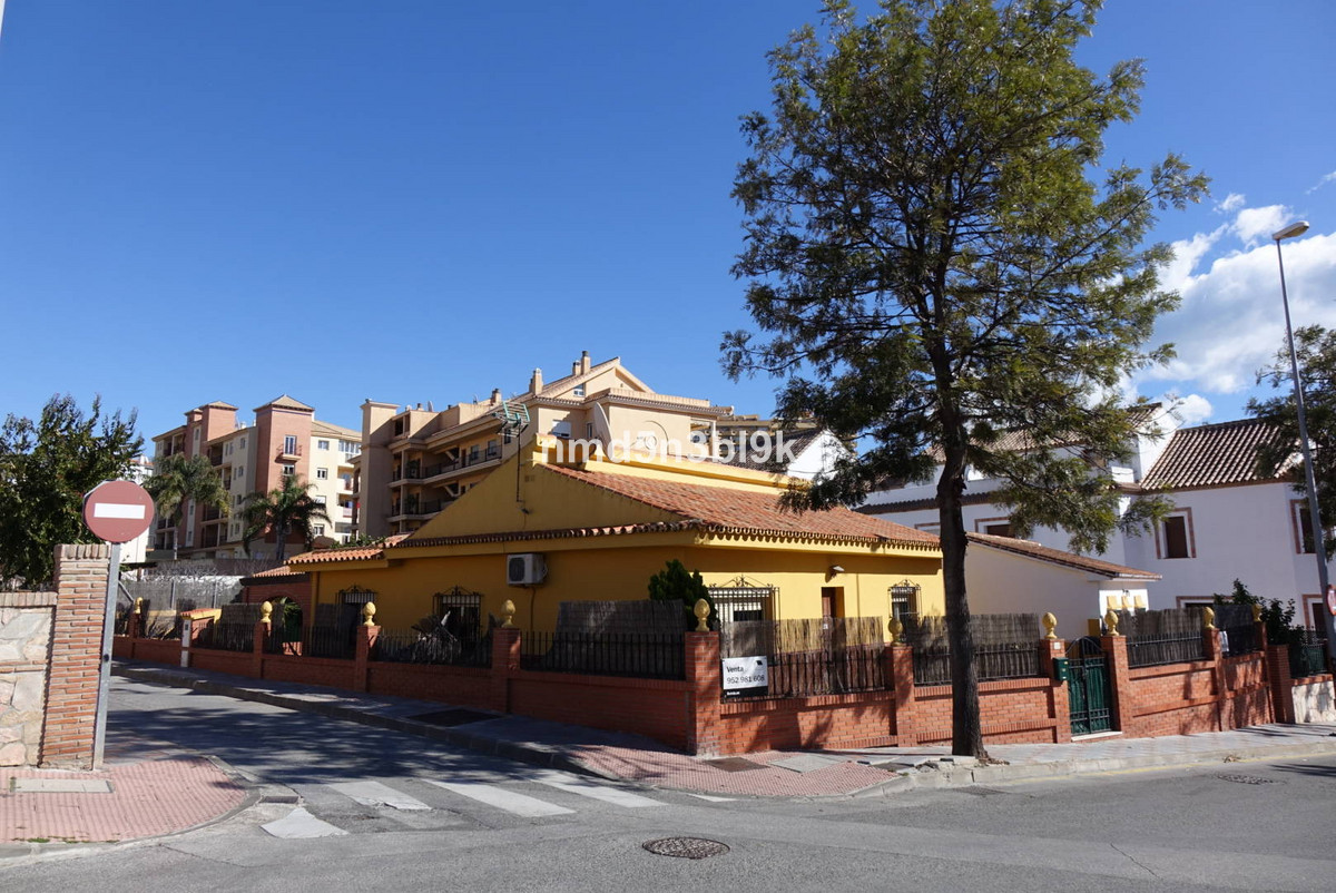 Villa for sale in Fuengirola, Costa del Sol