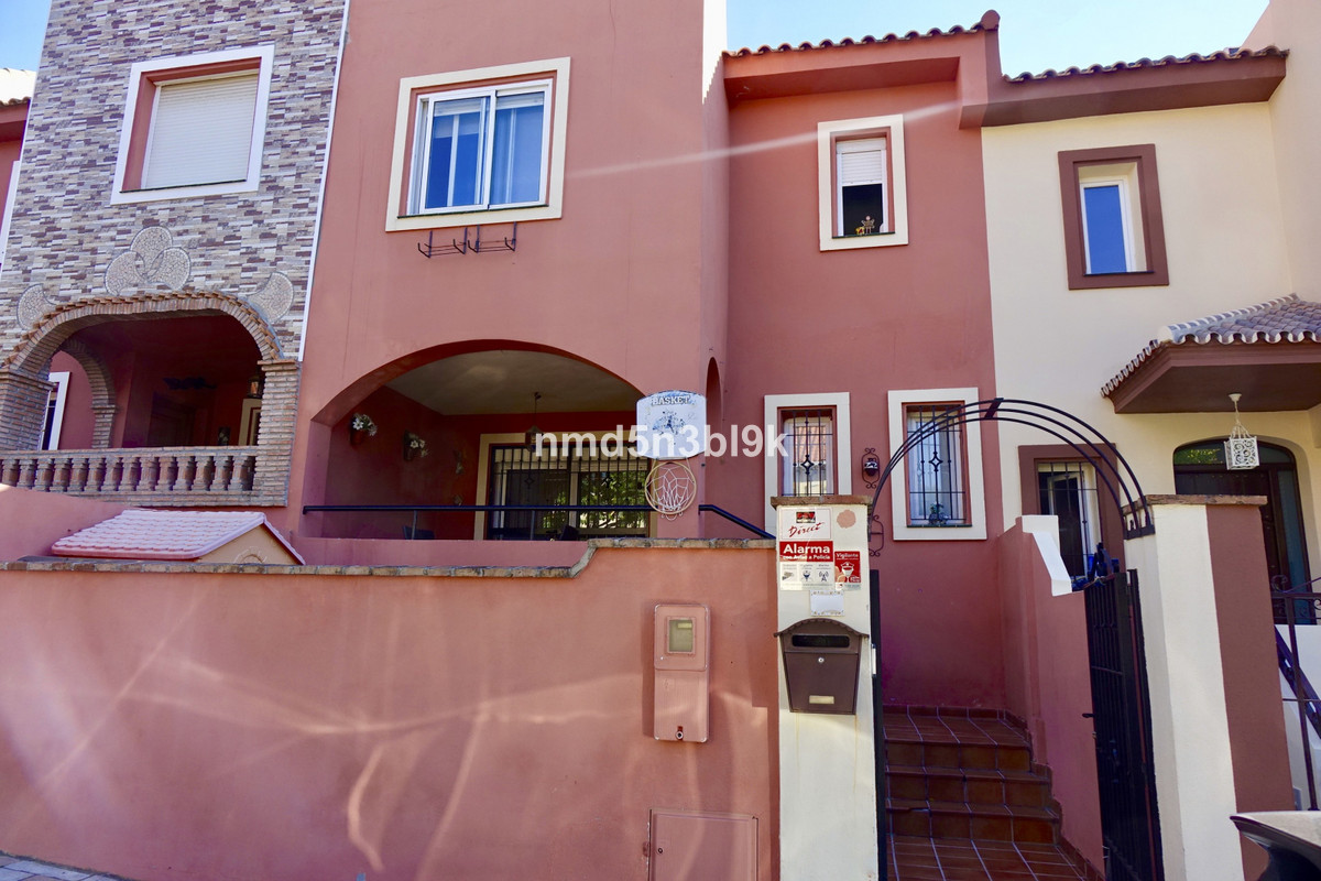 WONDERFUL SEMI-DETACHED HOUSE IN THE LOWER AREA OF LOS PACOS IN LOS BOLICHES, PERFECT PLACE FOR FAMI, Spain