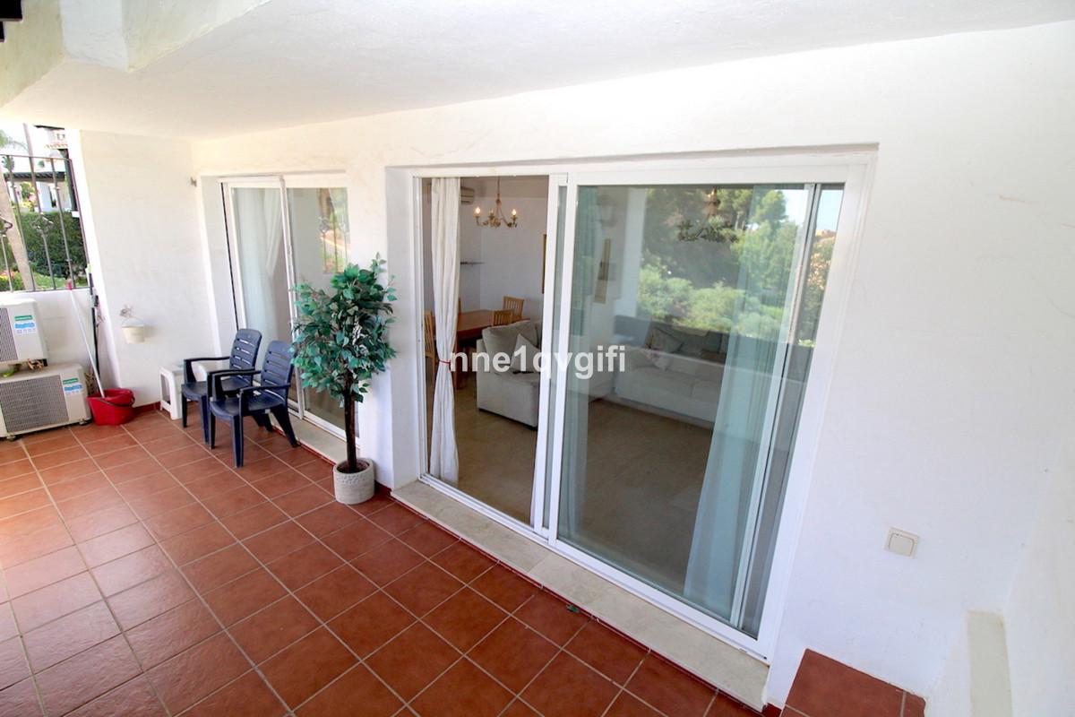 Apartamento en Venta en Calahonda – R3895567