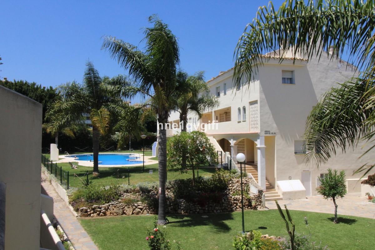 Marbella Banus Apartamento en Venta en Calahonda – R3668522