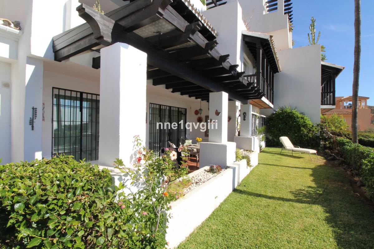 Apartamento en Venta en Calahonda – R3736813