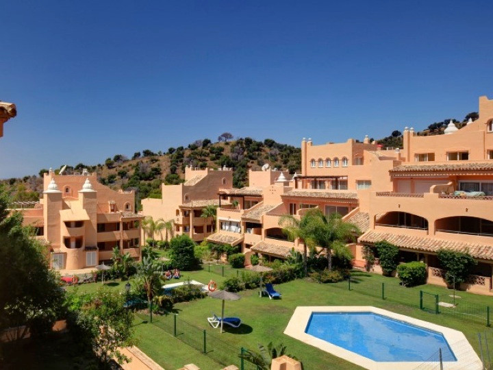 Top floor apartment in Elviria   This apartment has 2 bedrooms and 2 bathrooms and a spacious open t, Spain