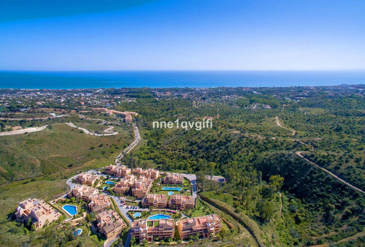 Marbella Banus Apartamento en Venta en Elviria – R3939934