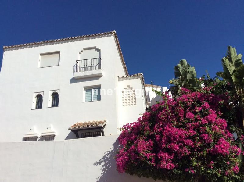 Marbella Banus Adosada en venta, Calahonda – R2982503