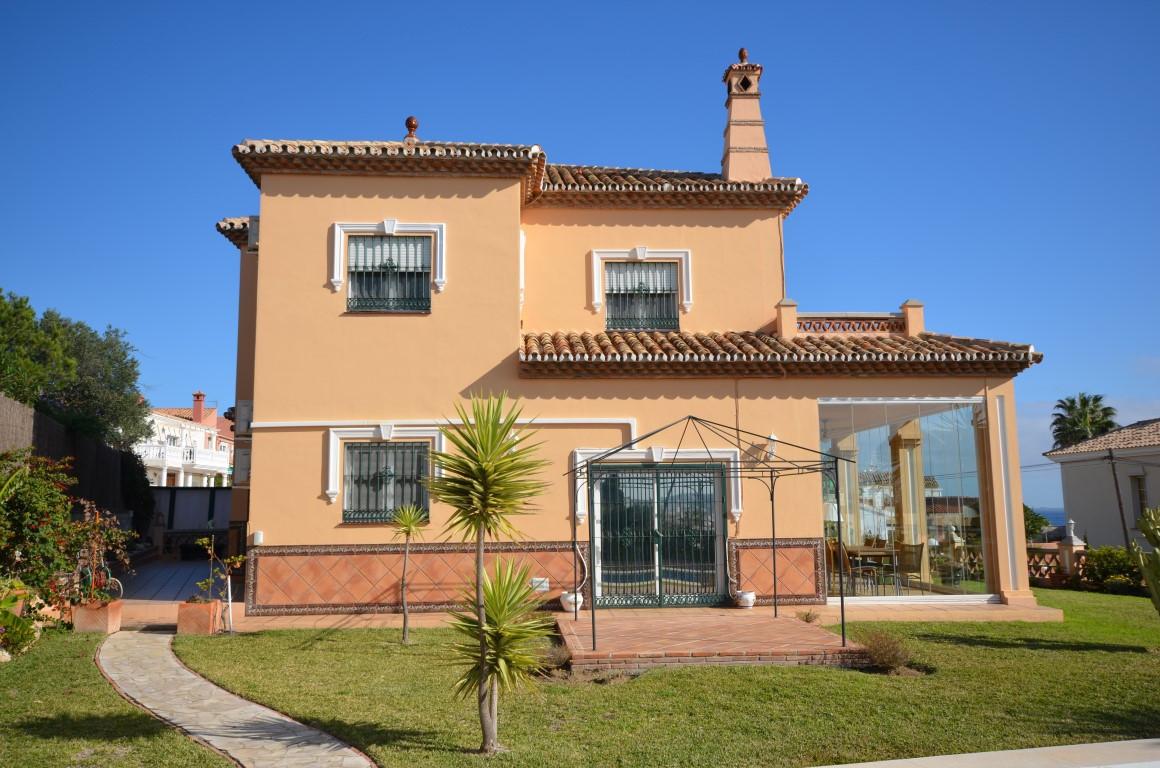 Large Detached Villa with sea views - El Faro  Beautiful 4/5 bedroom detached villa located in El Fa,Spain