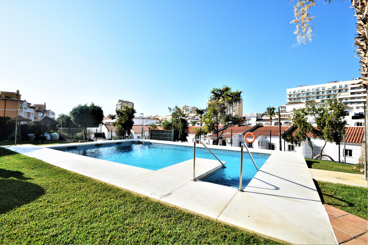 Nice and cozy ground floor with 2 bedrooms, living room, renovated kitchen, 1 bathroom with shower a,Spain