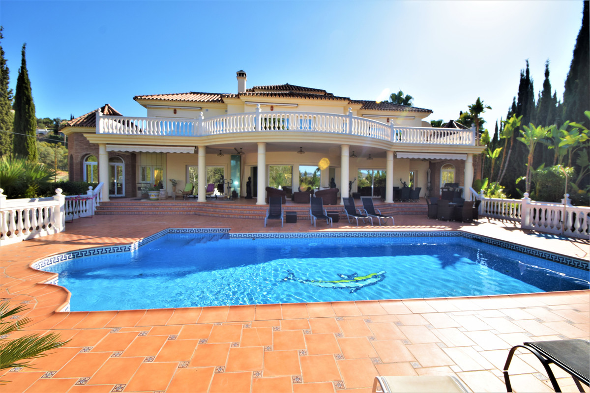Spectacular villa in Mijas Golf with exteriors and interiors focused on the high quality of life.  T, Spain