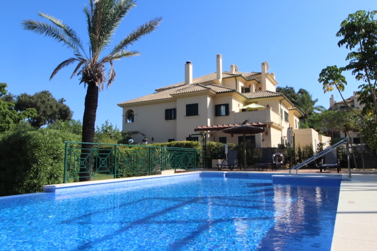 San Roque Club: Frontline Golf 2 bedroom 2 bathroom penthouse. Large living dining room with firepla,Spain