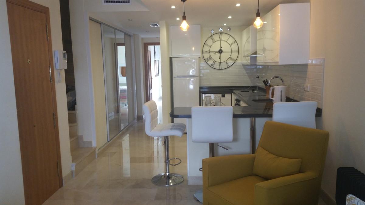 Marbella Banus Apartamento en Venta en Benahavís – R3910357