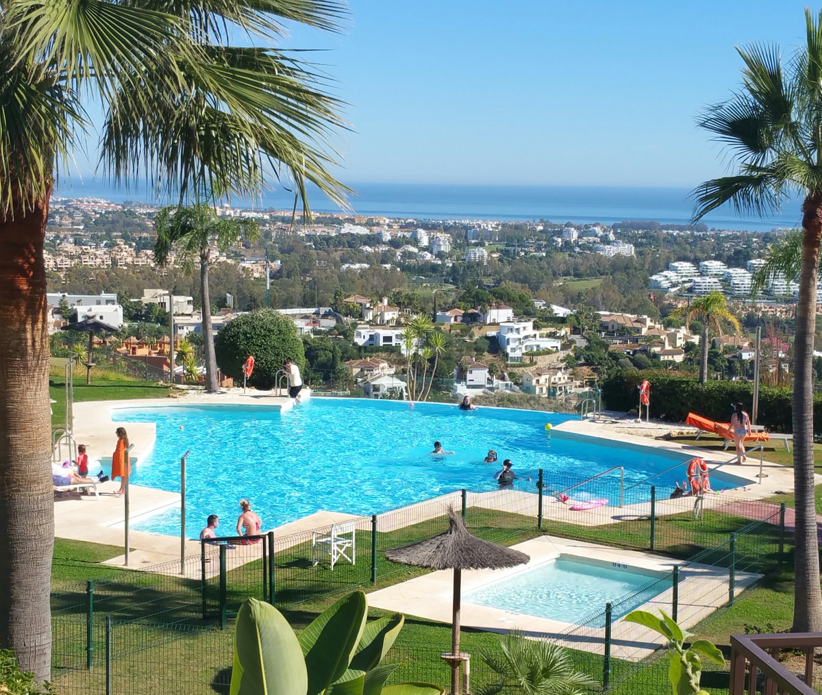 A great opportunity to purchase a south facing spacious 2 bed 2 bath apartment with superb sea views, Spain