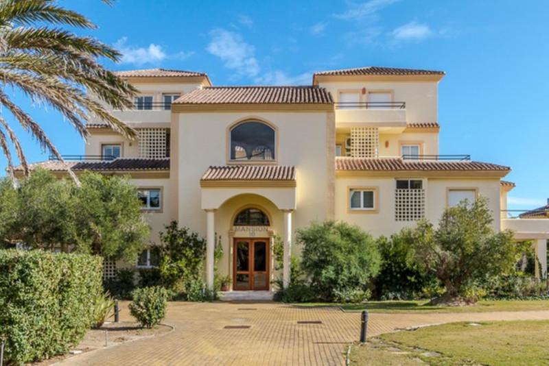 Marbella Banus Apartamento en Planta Última a la venta, San Roque Club – R3607004