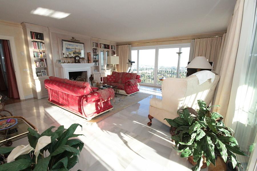 Marbella Banus Apartamento Planta Baja en venta en Monte Halcones – R3018617