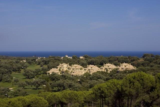 Marbella Banus Middle Floor Apartment for sale, San Roque – R3009389