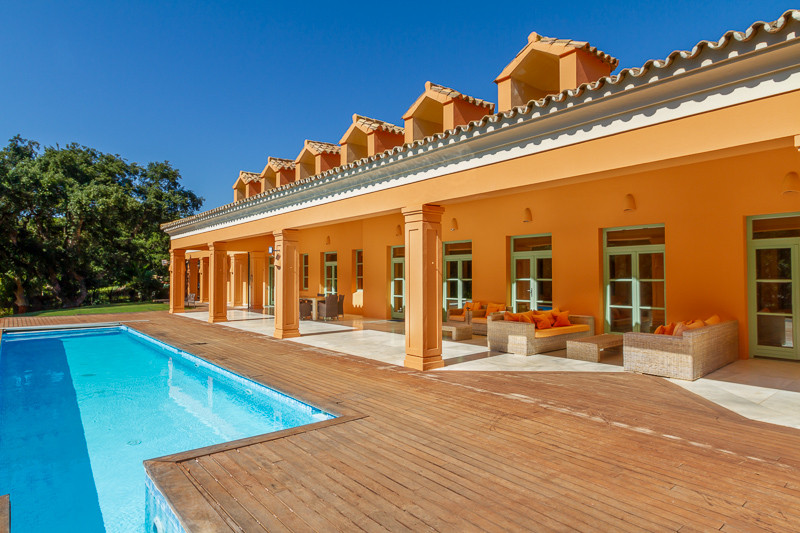 Sotogrande Alto: Front line Golf Valderrama, 5/6 bedroom mansion style villa of 1000m2 living area o, Spain