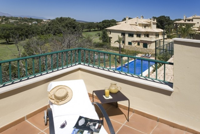 San Roque Golf:  2 Bedroom 2 bathroom middle floor, front line golf over looking 6th and 7th fairway,Spain