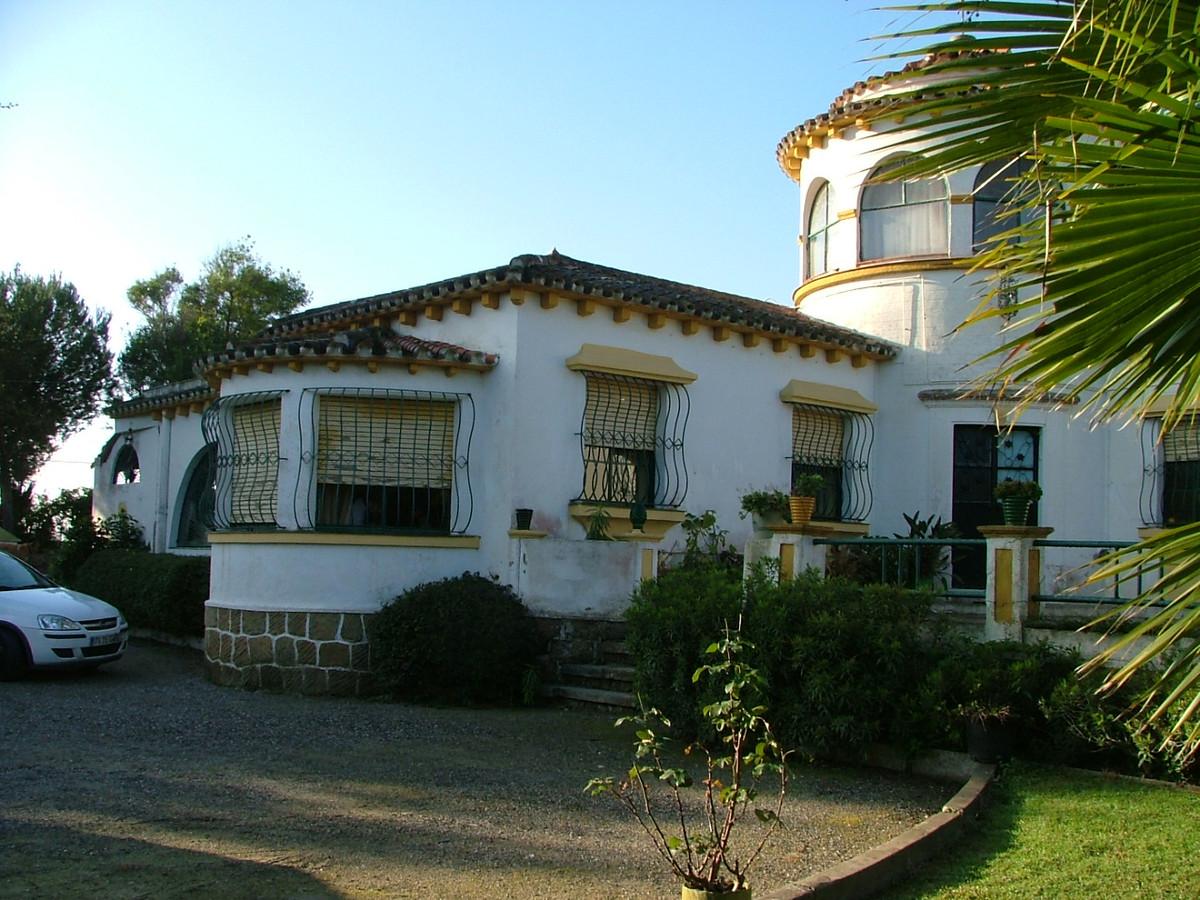 Villa 9 Dormitorios en Venta San Roque