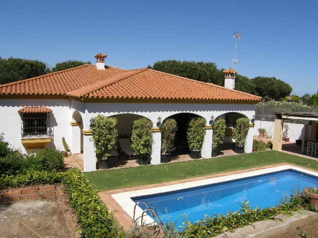 Sotogrande Alto: single level villa within the C zone of Sotogrande Alto. 4 bedrooms 3 bathroom and , Spain