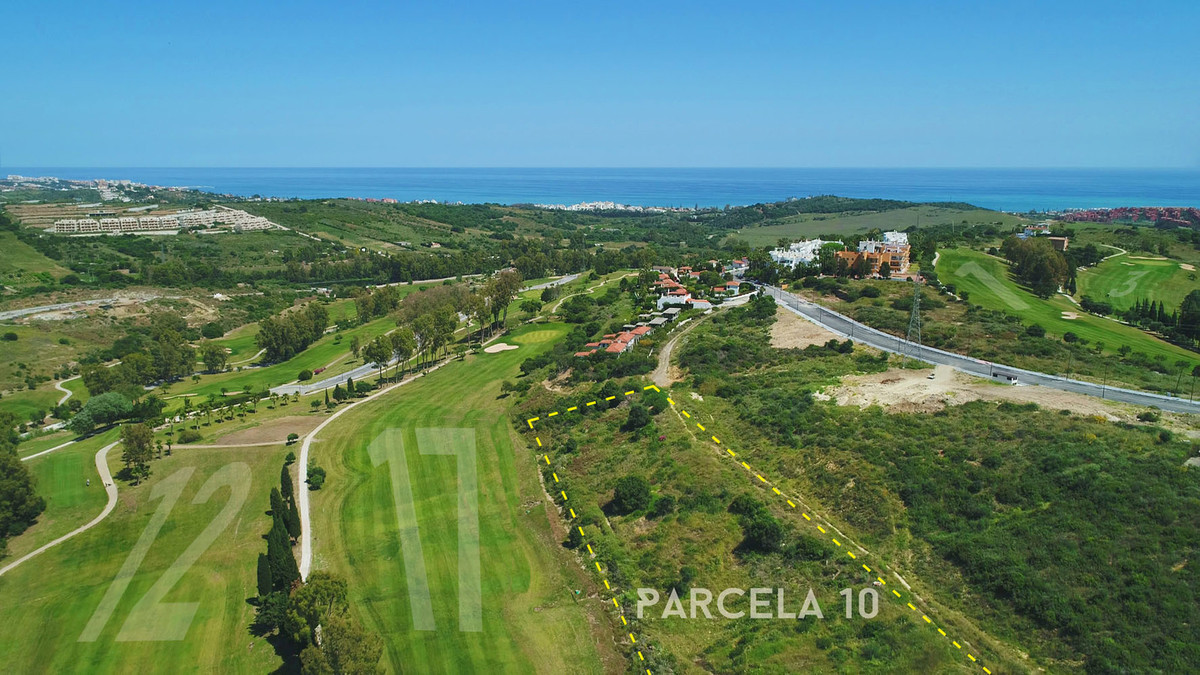 Estepona Golf: Development land front line golf to 17th Fairway with outline permission to construct, Spain