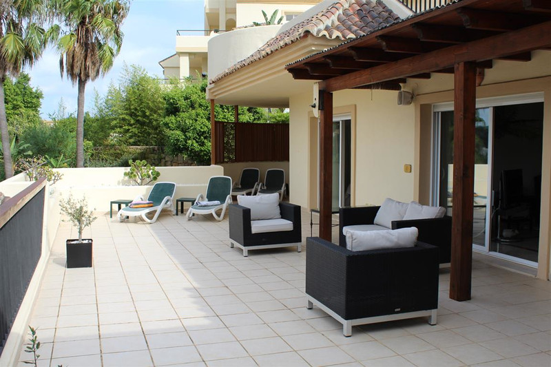Marbella Banus Middle Floor Apartment for sale, San Roque Club – R3291490