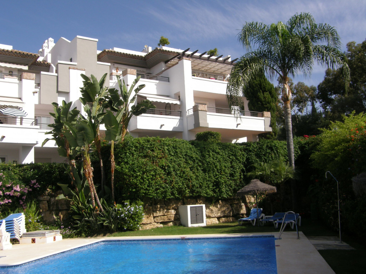 Los Arqueros Golf: 2 bedroom 2 bathroom penthouse within El Lago. Gated complex with two swimming po,Spain