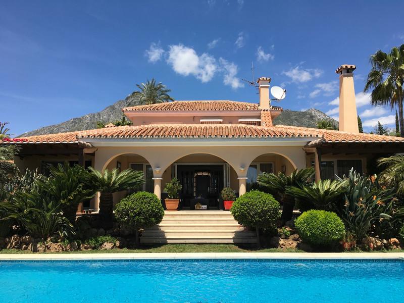 Se vende Villa – Chalet, Sierra Blanca – R3231376