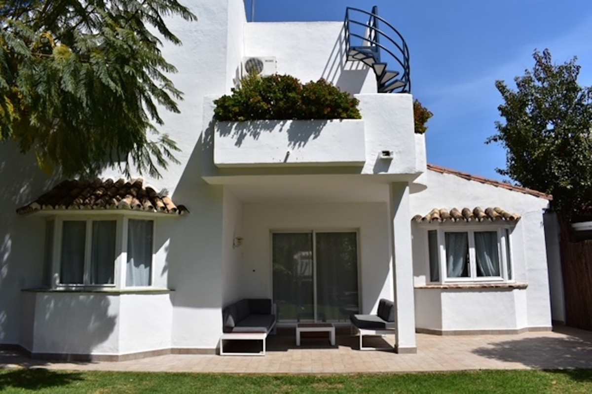 IDEAL VILLA LOCATED IN ATALAYA JUST FEW METRES FROM SEA!!!   SUPERB VILLA LOCATED IN THE AREA OF ATA,Spain