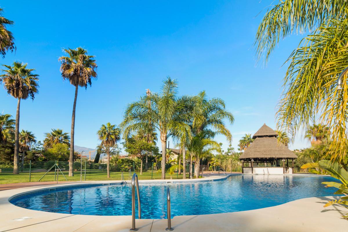 Marbella Banus Apartamento en Venta en New Golden Mile – R3875188