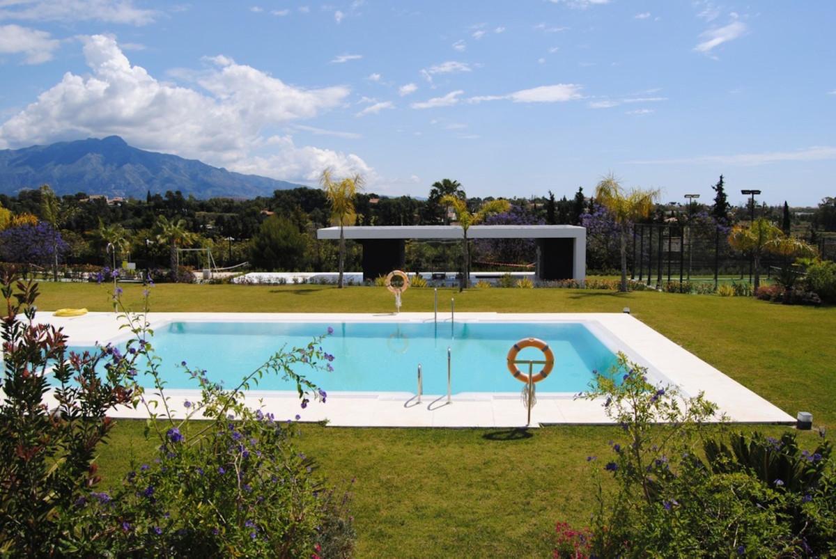 Marbella Banus Apartamento en Venta en New Golden Mile – R3832972