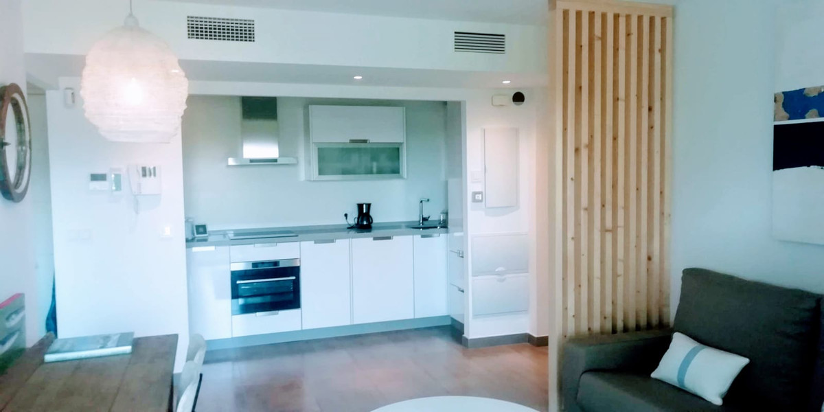 Apartamento en Venta en New Golden Mile – R3832972