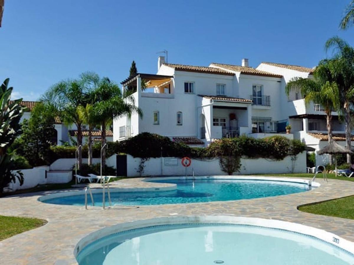Marbella Banus Apartamento en Venta en New Golden Mile – R3870808