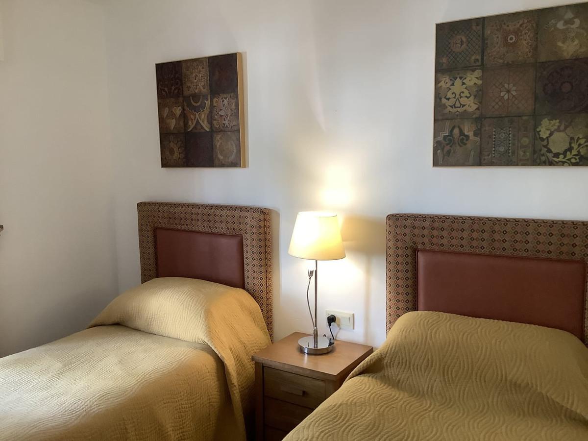 Apartamento en Venta en New Golden Mile – R3870808