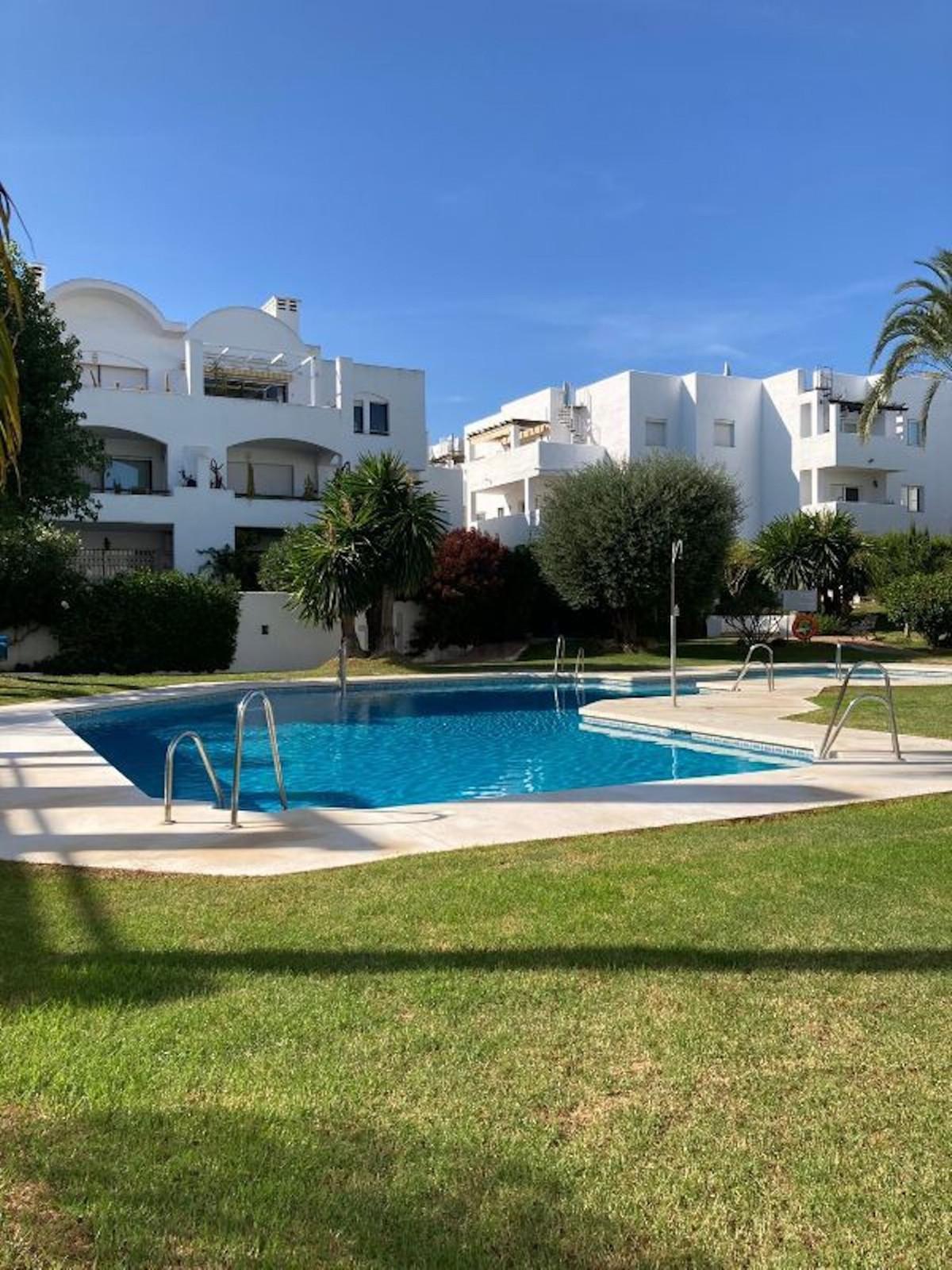 Marbella Banus Apartamento en Venta en New Golden Mile – R3897400