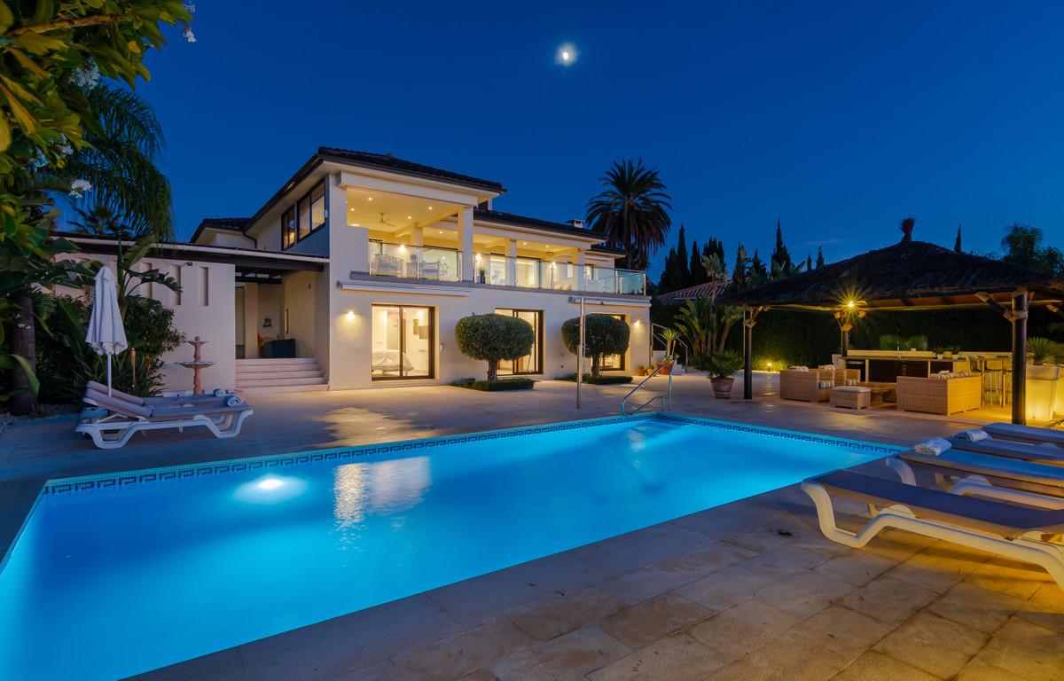 Marbella Banus Villa – Chalet en Venta en Nueva Andalucía – R3557344