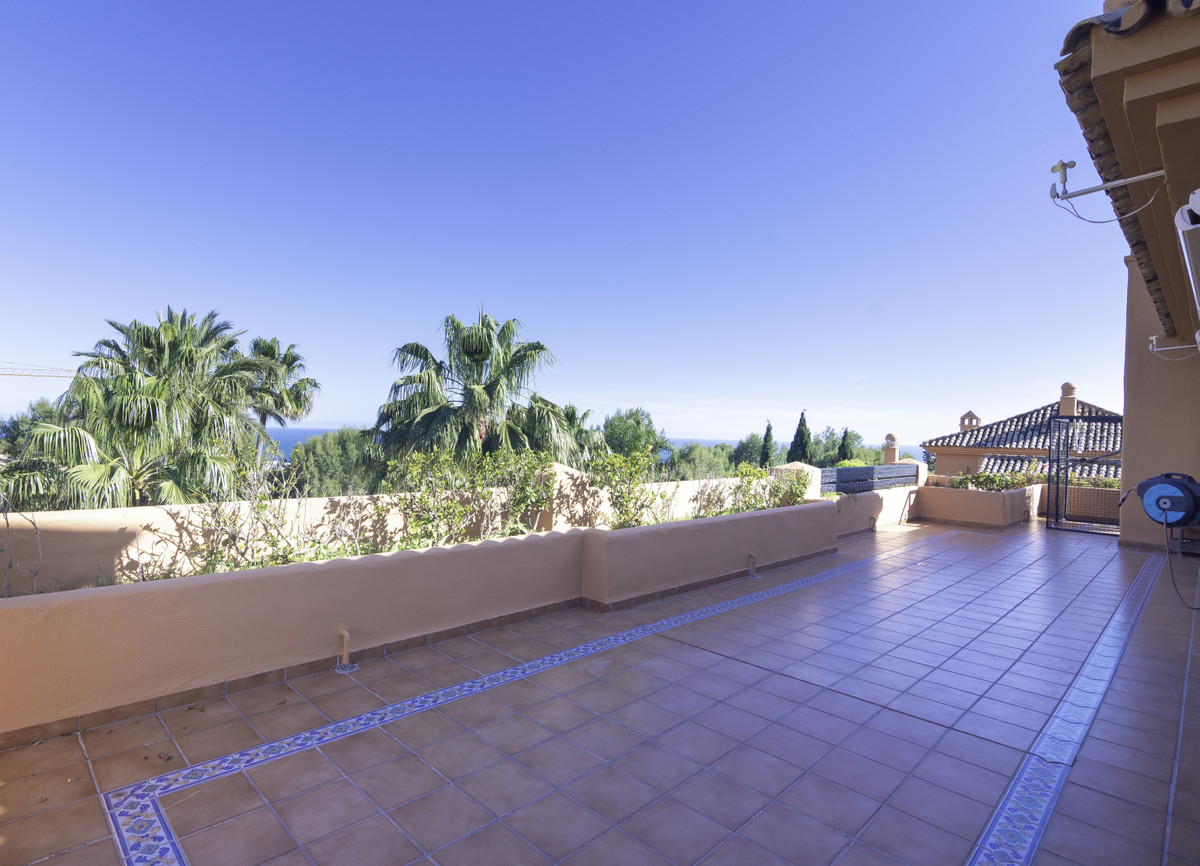 Penthouse at 179 m2 terraces with seaview. It's a bargain!  Location: 3 bedroom penthouse in th, Spain