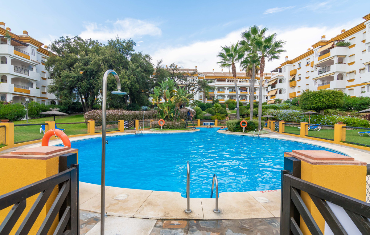 Location - Location. 2 bed/2 bathroom apartment situated on The Golden Mile in a consolidated gated , Spain