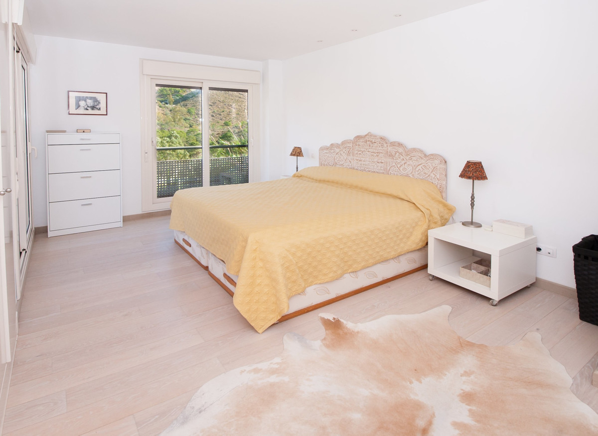 R3541711 | Detached Villa in Benahavís – € 450,000 – 3 beds, 4 baths