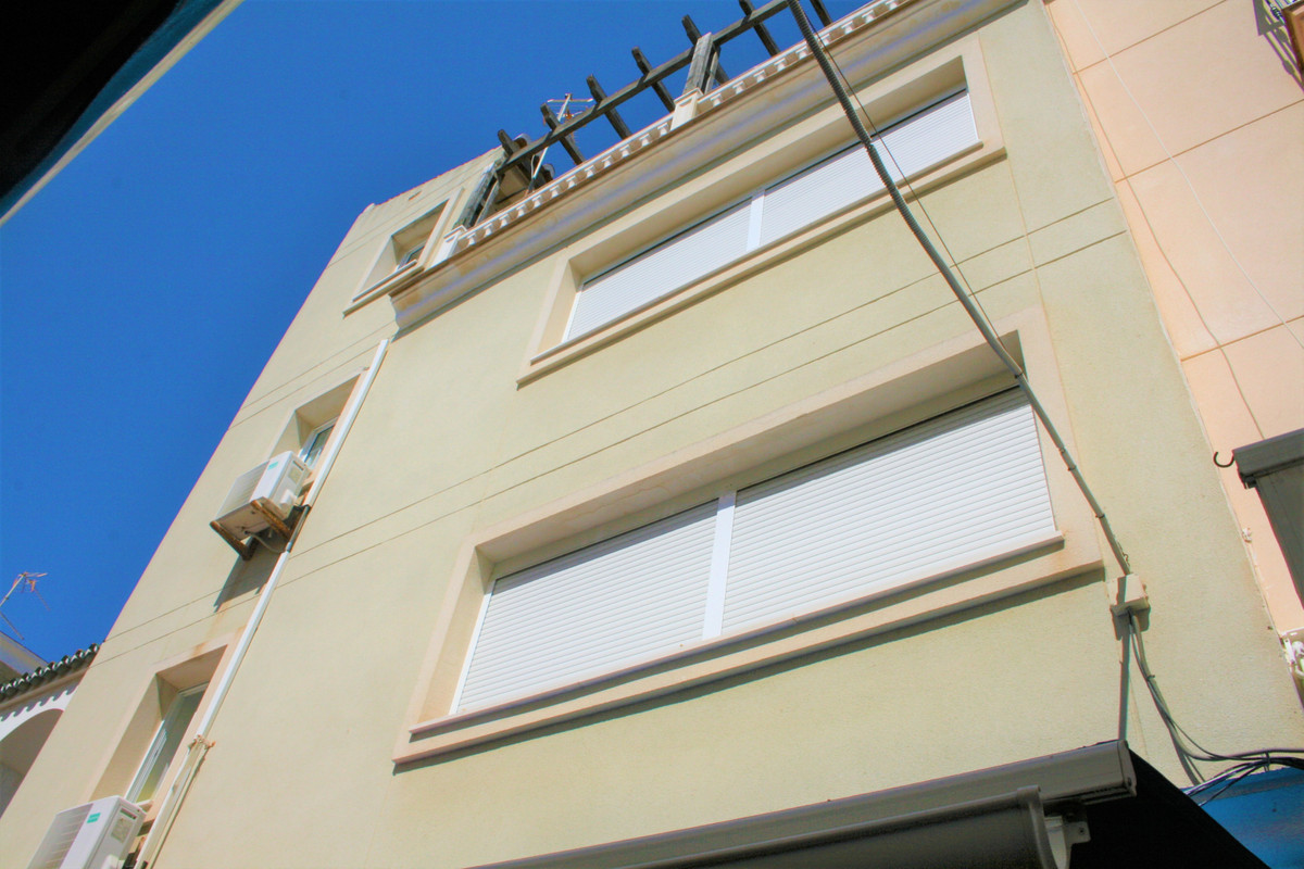 Entire building in the heart of La Carihuela, business opportunity.  It currently has two one-bedroo,Spain