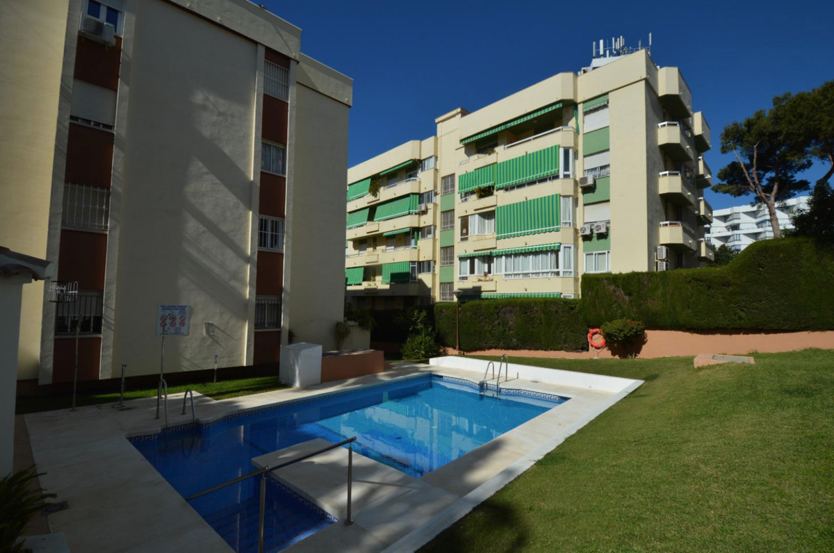 Do you want to live in the center of Arroyo de la Miel - Benalmadena, a few steps from the train sta,Spain