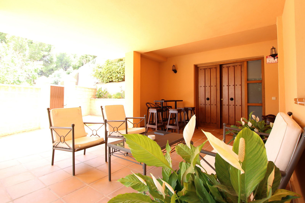 Villa just 200 meters from the beach.  In a beautiful and quiet urbanization. You will be able to en,Spain