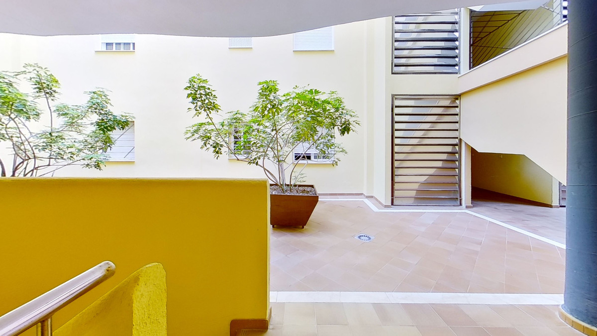 Welcome to this apartment with 2 bedrooms and 2 bathrooms, located at the second line of the Fuengir,Spain