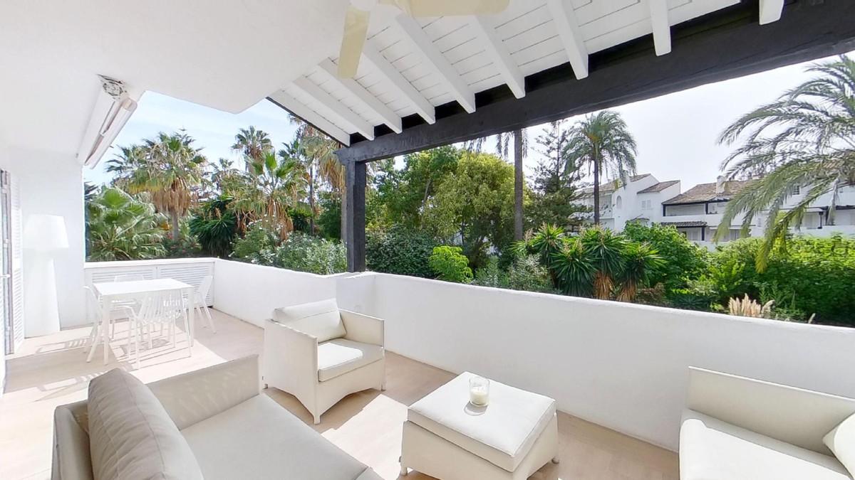 Marbella Banus Apartamento Planta Media en Venta en The Golden Mile – R3748696