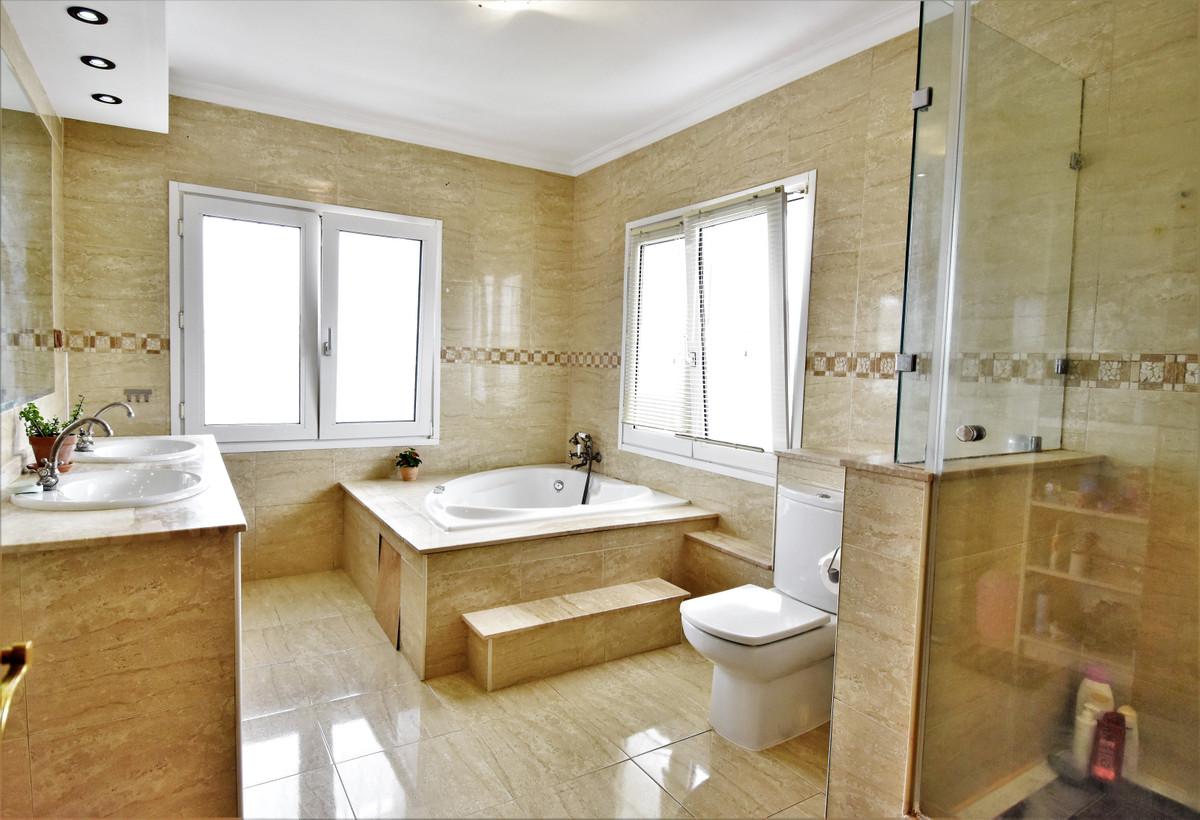 House in Alhaurín de la Torre R3856273 30