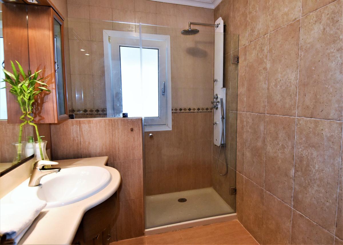 House in Alhaurín de la Torre R3856273 37