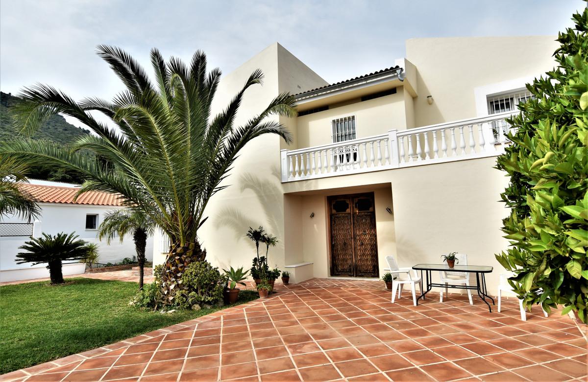 House in Alhaurín de la Torre R3856273 41