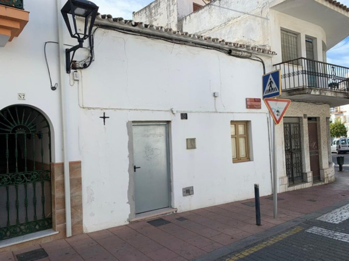 Ref:R3612755 Townhouse - Terraced For Sale in Estepona