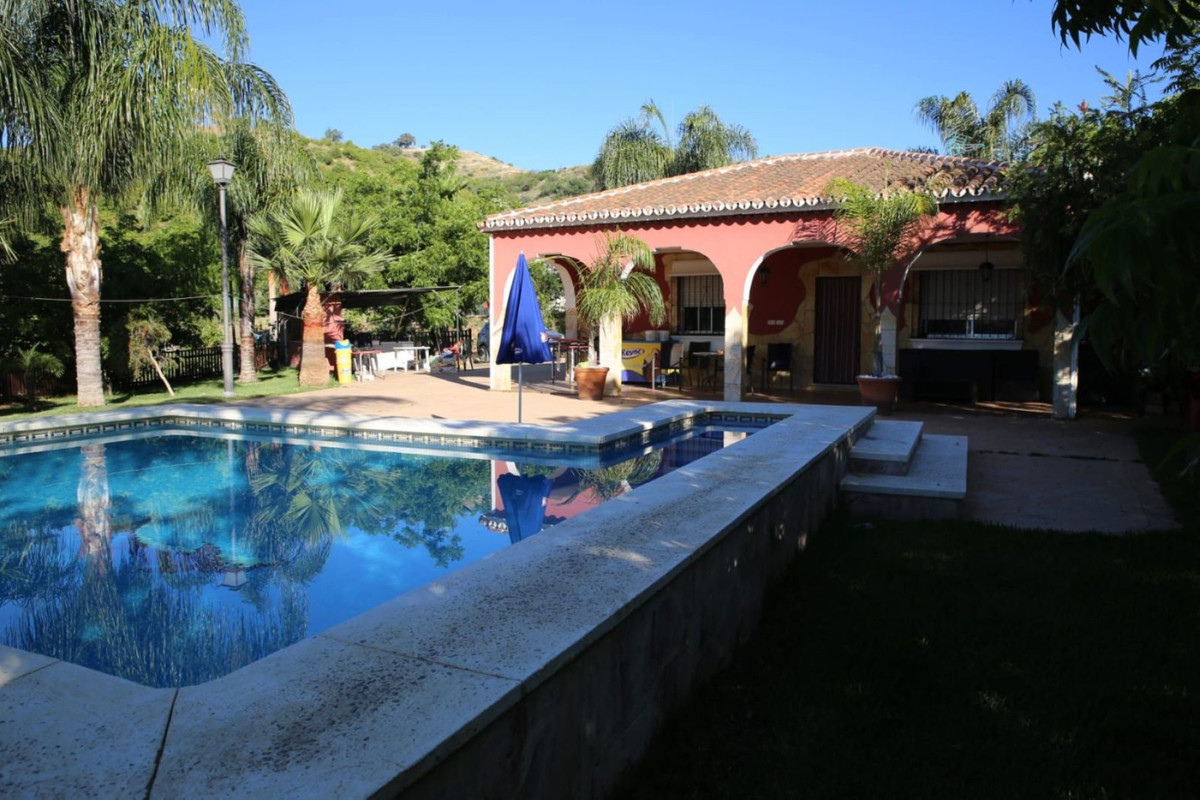 This spectacular estate has 24000 meters fully fenced land and 3 wells for irrigation . There are or,Spain