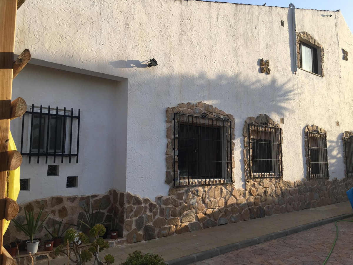 Ref:R3667958 Commercial - Hostel For Sale in Fortuna