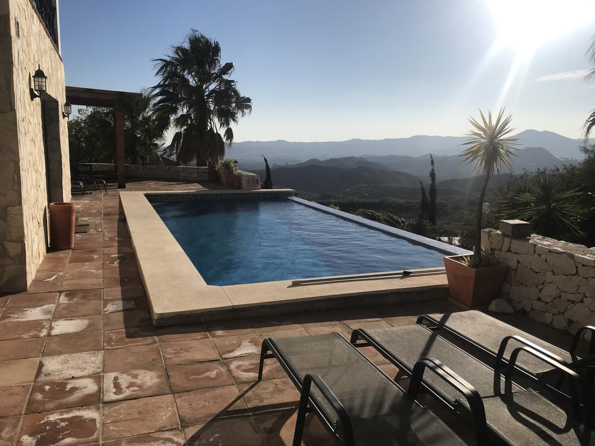 Ref:R3607955 Villa - Detached For Sale in Valtocado